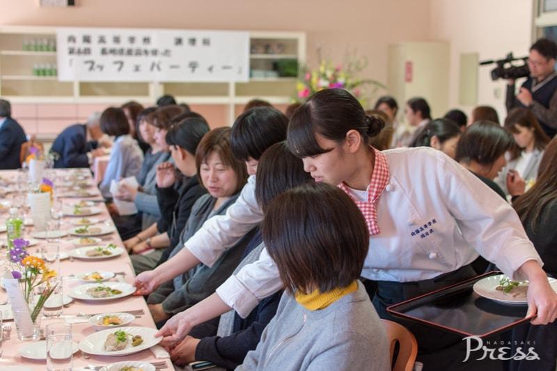 2018.3.6 向陽高等学校調理科<br>長崎県産品を使った<br>ブッフェパーティーを開催!