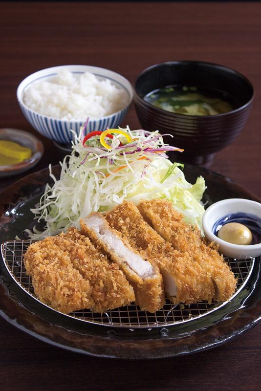 「上ロースかつ」ご飯、味噌汁付き950円