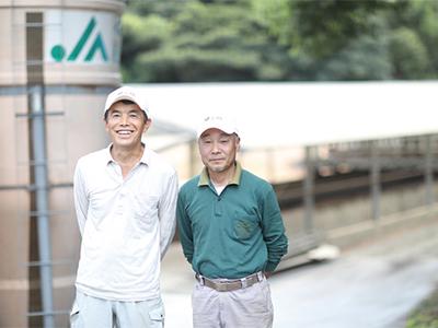 長崎県央農協養豚部会 部会長・山本 義則 さん 副部会長・東川健治 さん