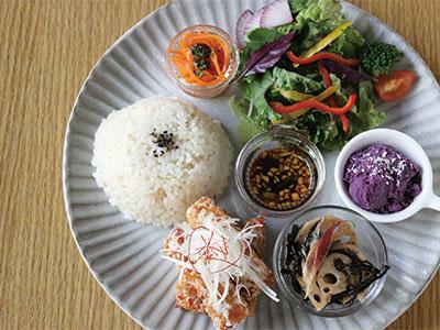 """【CAFE OLIVEA VEGGIE】 """"食""""の大切さを 改めて感じる 場所でありたい"""