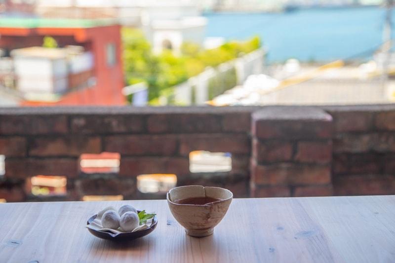 港町を一望できる古民家で過ごす<br>紅茶の時間