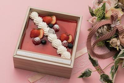 〈ケーキ&ティールーム シェリール〉3種のベリーの アシェット