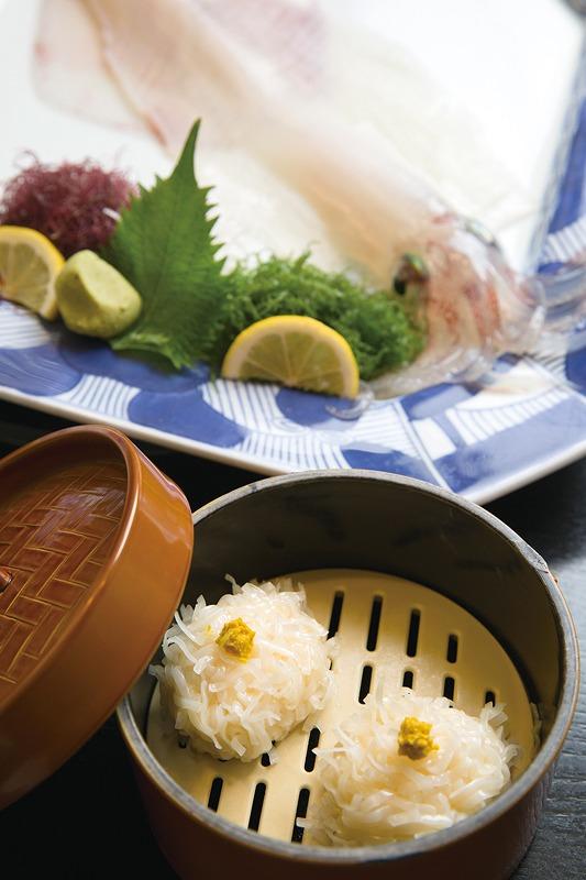 海中レストラン 萬坊のいかしゅうまい佐賀県唐津市呼子町