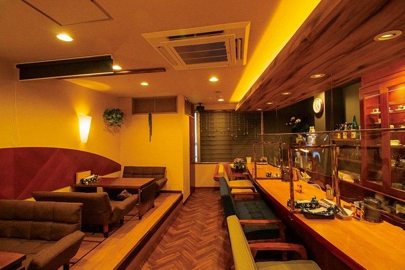 Cafe&Bar SORASIDO 長崎県長崎市住吉町6ー12 中通市場2F 隠れ家的なカフェ&バー 内観